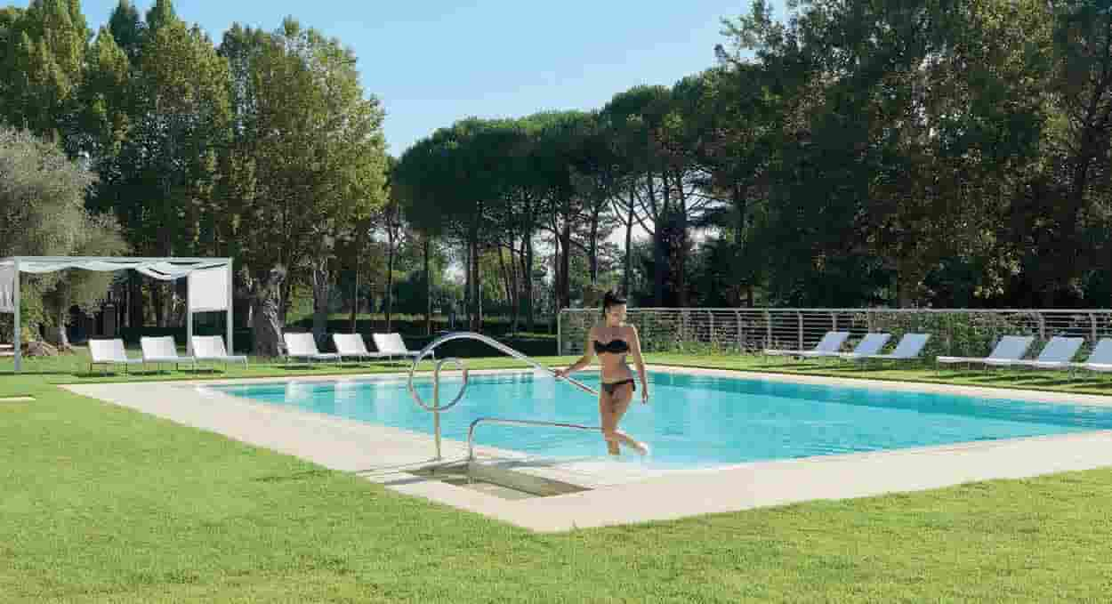 anusca palace hotel piscina esterna